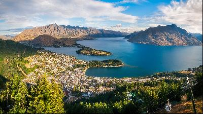 Five reasons to live in Queenstown, New Zealand