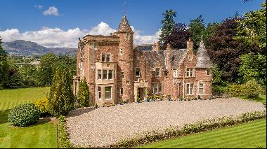 The £2.1m Scottish mansion complete with its own collection of pop art
