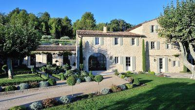 Classic versus contemporary design in the south of France