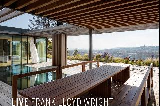 5 Homes Inspired by Frank Lloyd Wright