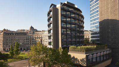 Mid-century block revamp brings top-end living to Barcelona