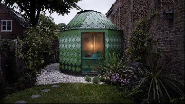 Why architect-designed garden rooms are the latest must-have feature