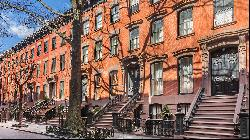 Fantasy homes: the simple, seductive powers of a Manhattan red-brick townhouse
