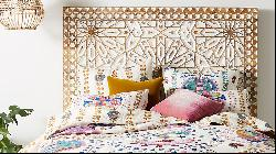 How to furnish a bohemian bedroom