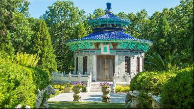 The Hamptons home on the market that evokes the beauty of Beijing's Summer Palace gardens