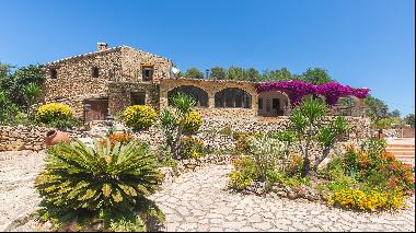 Five of the world's best homes for sale with fabulous flowers