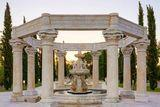 The Life Aquatic | 4 More Homes With Architectural Water Features