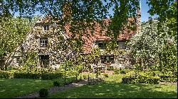 The 16th-century rural retreat that is 'spectacularly English'