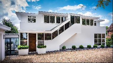 The Modernist masterpiece meticulously restored for contemporary living