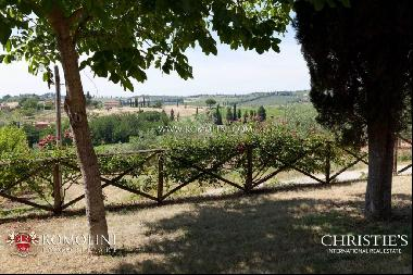 Chianti Classico - RENOWNED WINE ESTATE WITH AGRITURISMO FOR SALE IN TUSCANY