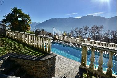 Large villa for sale in Orselina with panoramic view of Lake Maggiore