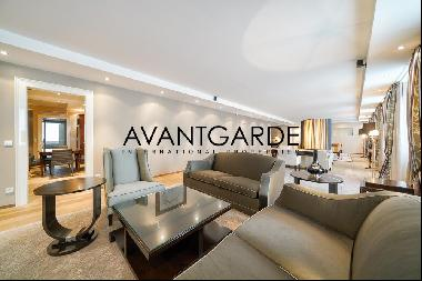 Luxurious apartment with hotel service in prime inner city location