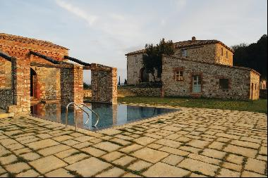 Casale Salice, a remarkable farmhouse within the grounds of an Tuscan castle