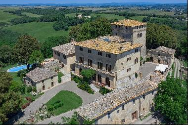 Castel d'Orcia, a prestigious castle with a panorama of the Val d'Orcia valley