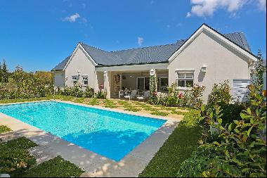 SILLERY ESTATE – Exceptional home in secure Estate