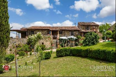 Umbria - FARMHOUSE FOR SALE IN PANORAMIC LOCATION, NICCONE VALLEY
