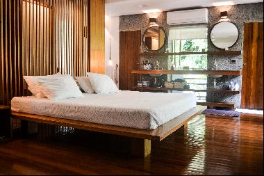 Cozy home surrounded by the rainforest in Cambury beach