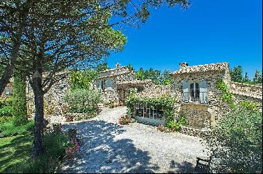 Luberon - Stunning property with views