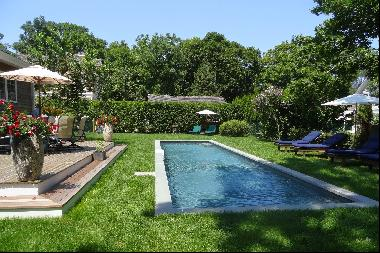 Picturesque Traditional In Sag Harbor