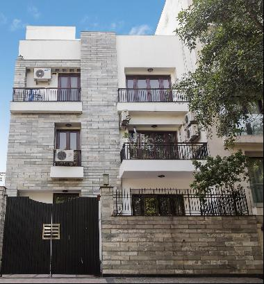 Ground Floor Apartment in Vasant Vihar