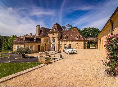 Manor house for sale Dordogne with lake