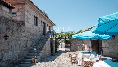 House and restaurant for sale on Paredes, Portugal