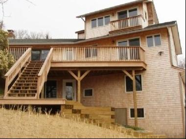 Rental Registration #: 18-708 Newly renovated, this beach house is loaded with charm. Ther