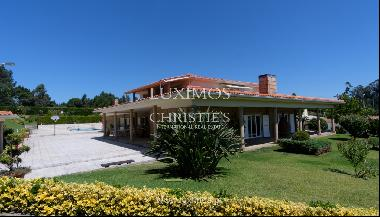 Luxury villa for sale w/ pool and playground, P�voa Varzim, Portugal