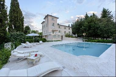 Magnificent property in the florentine Chianti with pool and private park