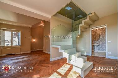 Florence - APARTMENT WITH BALCONY FOR SALE, PIAZZA DEL DUOMO