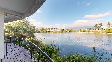 3 Bedroom Lakeside Apartment for Sale in Pearl Valley At Val De Vie