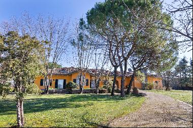 Bright, modern villa with stables in the Oltrepò Pavese area