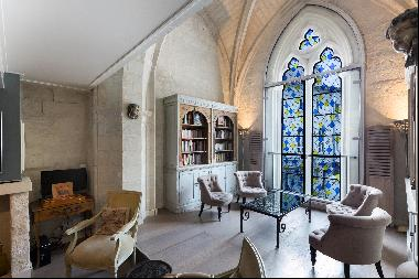Superb town house in the heart of Avignon.