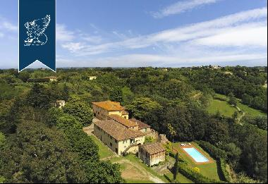 Wonderful historical villa with private park for sale in Pisa's countryside