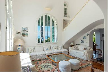 Charming villa with swimming pool in Anacapri
