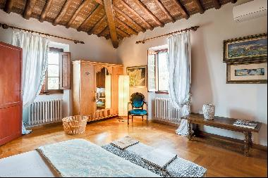 Romantic country house near Florence