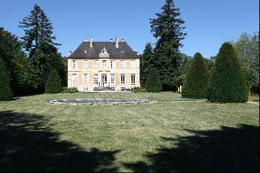 An elegant listed 18th century manor house. Set in 8 hectares with a walled garden and ex