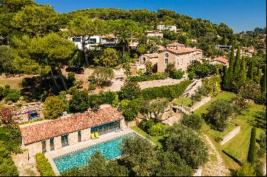 A Stunning Bastide in Mougins with Sea View and development Opportunity.