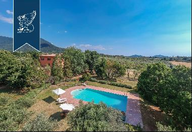 Stunning property with pool for sale in Palombina Sabina