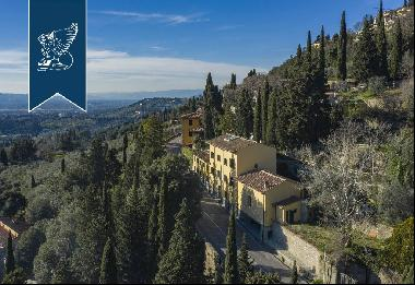 Luxurious 19th-century villa for sale near Florence