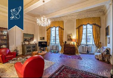Luxury 16th-century apartment for sale in Florence