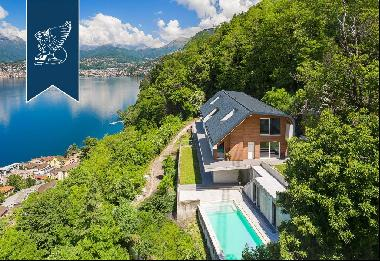 Very new luxury villa with breathtaking views of the lake