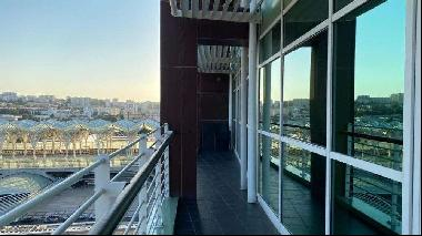 Awesome bedroom duplex apartment, placed in Torre São Rafael, with a double balcony and w