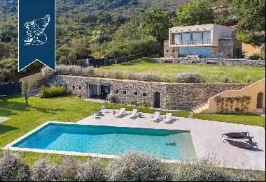 New designer estate with a wonderful enchanting pool with sea view by the Ligurian Riviera