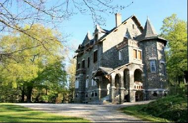 Exceptional chateau, built around 1900, 9 bedrooms, 5 baths, idyllic wooded park, pastures