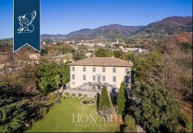 Stunning historic villa for sale in Tuscany