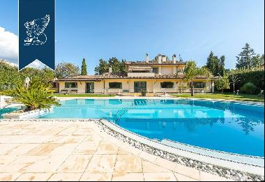 Luxurious villa with pool for sale in the Olgiata complex