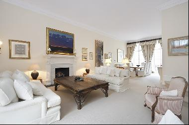 A stunning first floor  2 bedroom apartment to rent in Notting Hill W11