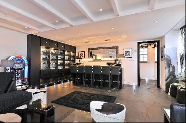 A stylish 4 bedroom Georgian cottage to rent in Hampstead NW3