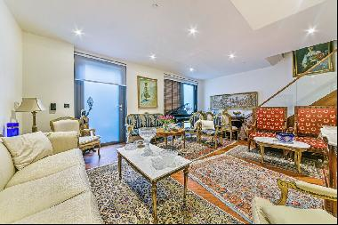 2 bed apartment to rent in Embassy Gardens, SW11